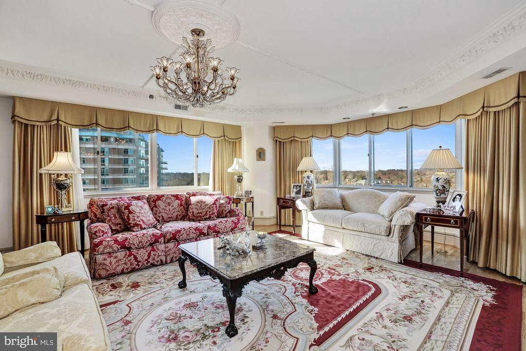 Living room with views - 5600 WISCONSIN AVE #1308, CHEVY CHASE