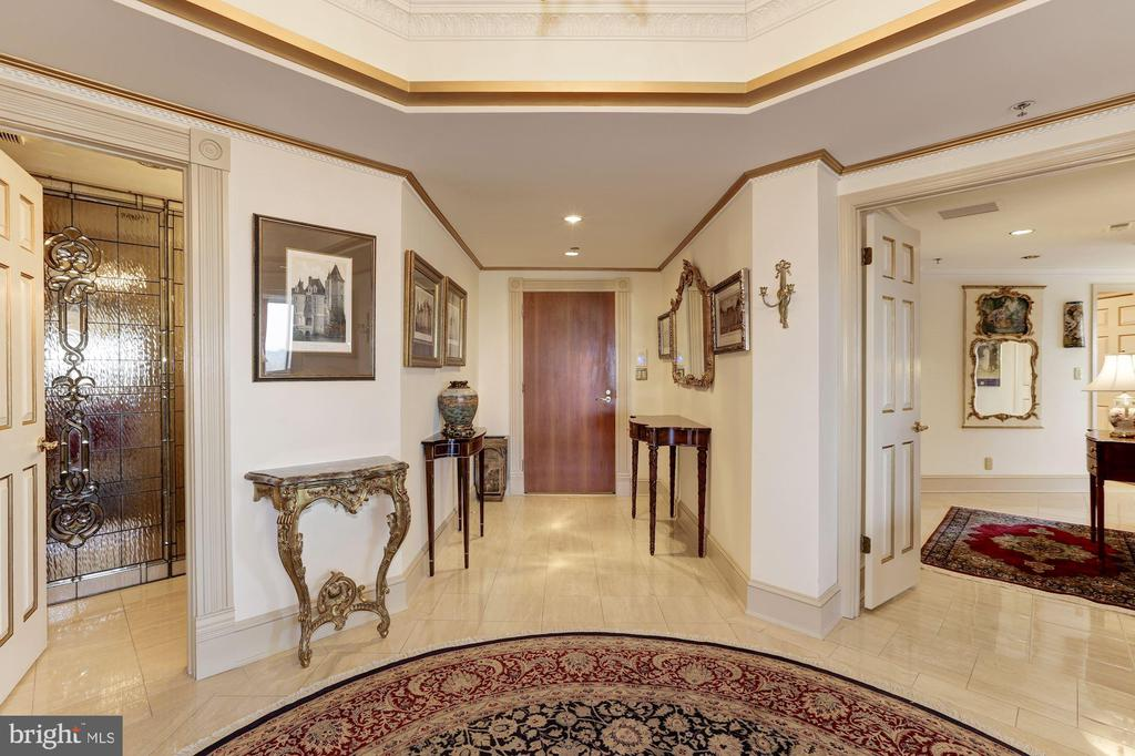 Foyer - 5600 WISCONSIN AVE #1308, CHEVY CHASE