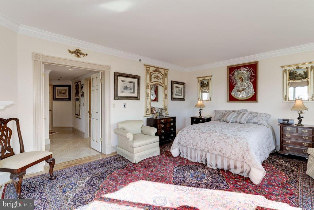 Master bedroom - 5600 WISCONSIN AVE #1308, CHEVY CHASE