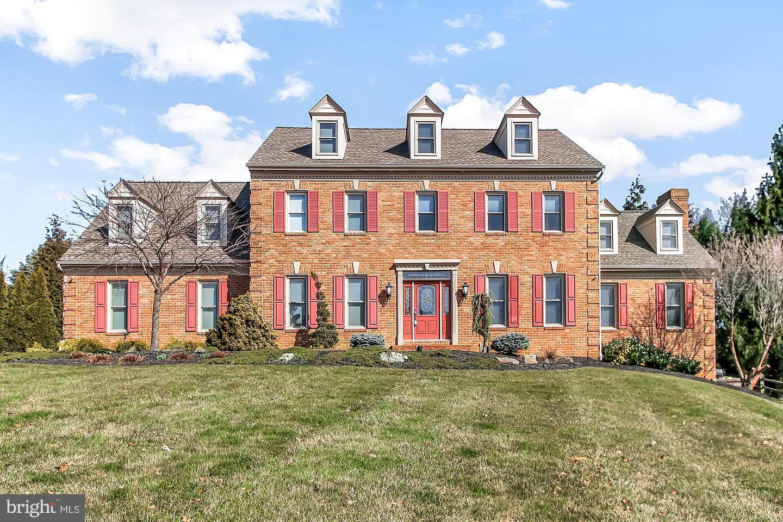 Single Family Homes pour l Vente à 556 EL DORADO Drive Red Lion, Pennsylvanie 17356 États-Unis