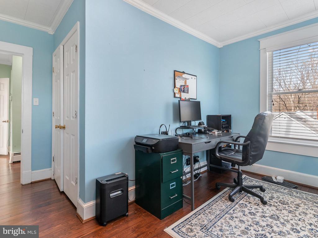 bedroom 3 - 200 WASHINGTON GROVE LN, GAITHERSBURG