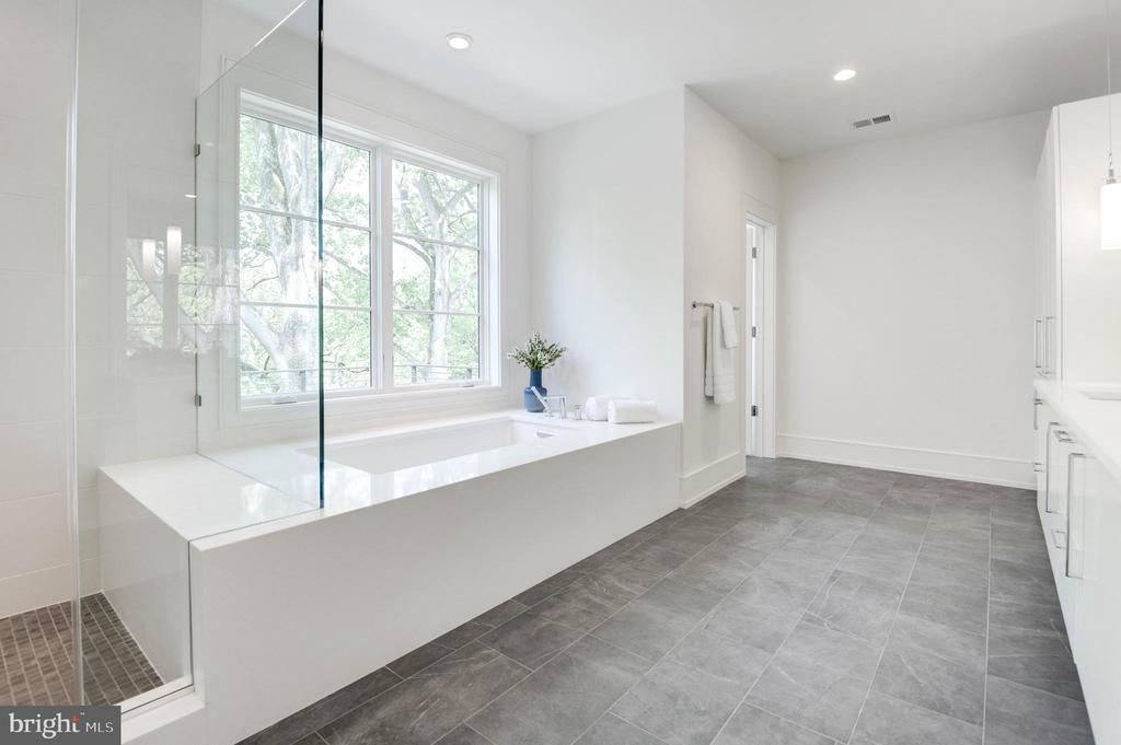 Master Bath - 3016 UNIVERSITY TER NW, WASHINGTON