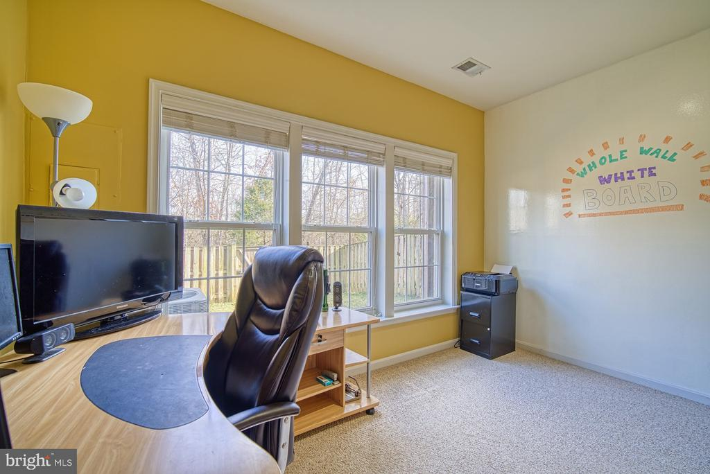 Private Office with Whiteboard Wall - 22710 DEXTER HOUSE TER, ASHBURN