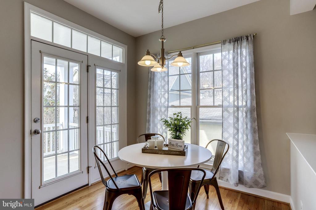 Breakfast Area with Door to Back Deck - 2952 22ND ST S, ARLINGTON