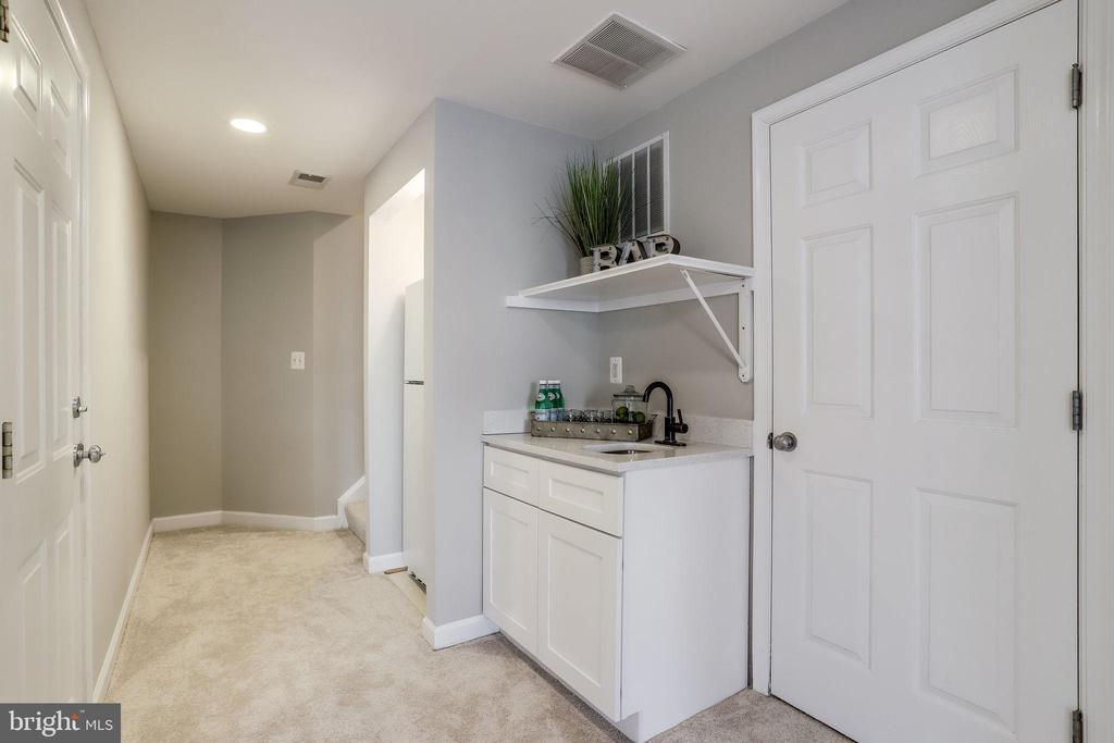 Wet/Dry Bar in Family Room and Extra Refrigerator - 2952 22ND ST S, ARLINGTON