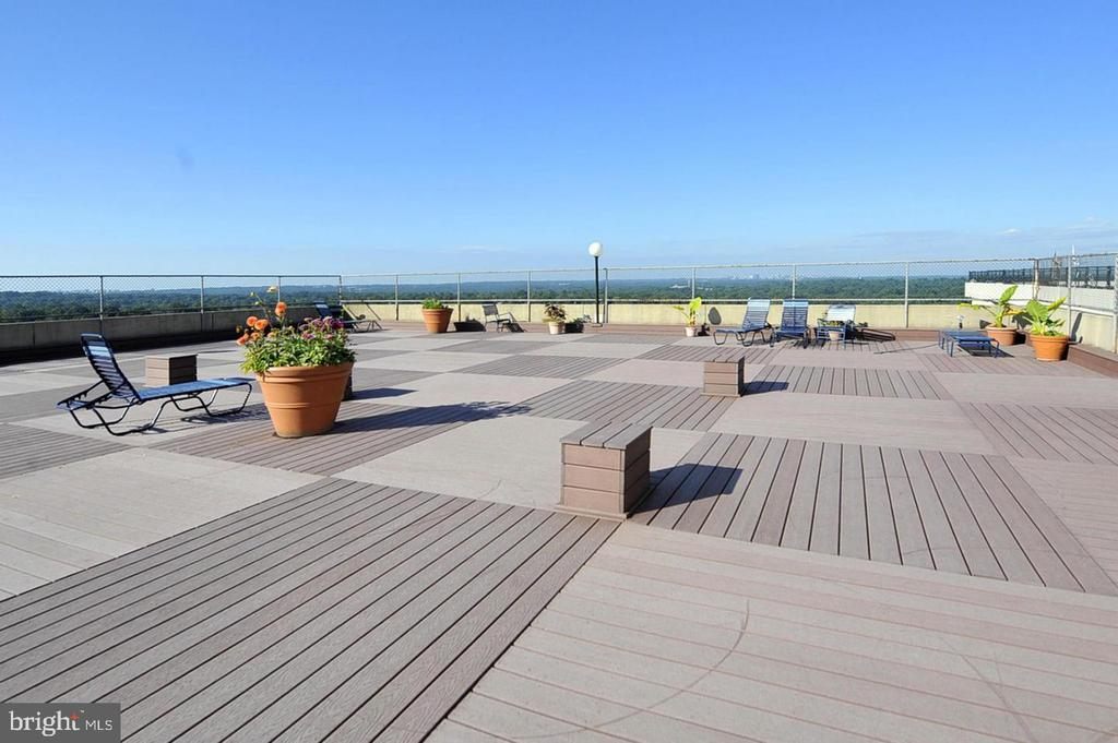Rooftop Deck - 5500 FRIENDSHIP BLVD #1729N, CHEVY CHASE