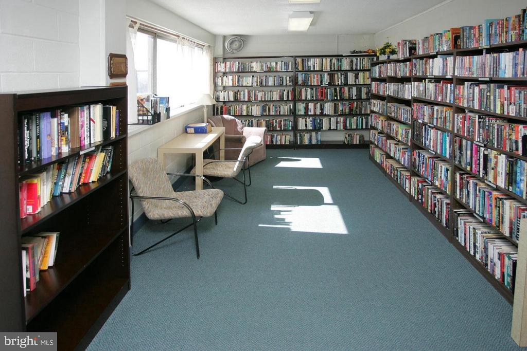 Library - 5500 FRIENDSHIP BLVD #1729N, CHEVY CHASE