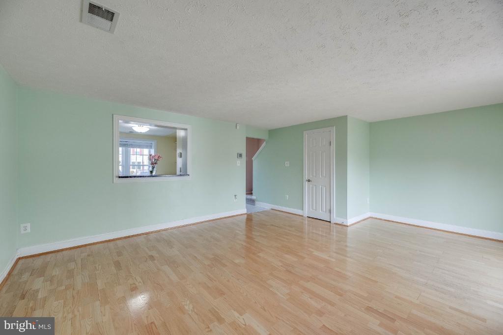 Living Room - 15098 ARUM PL, WOODBRIDGE