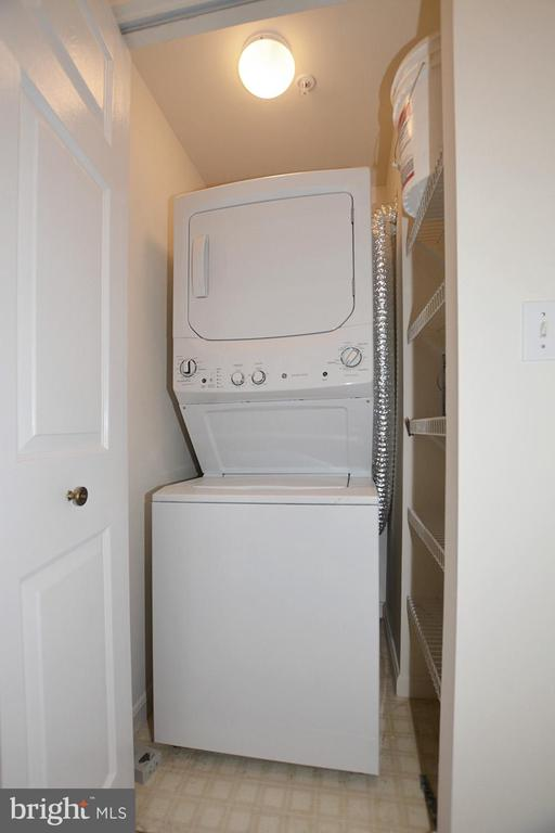 Stack washer and dryer - 19375 CYPRESS RIDGE TER #107, LEESBURG