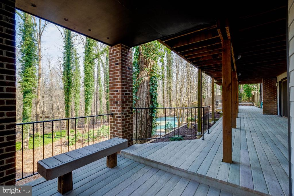 Private Deck - 8651 BLACK FOREST CIR, FAIRFAX