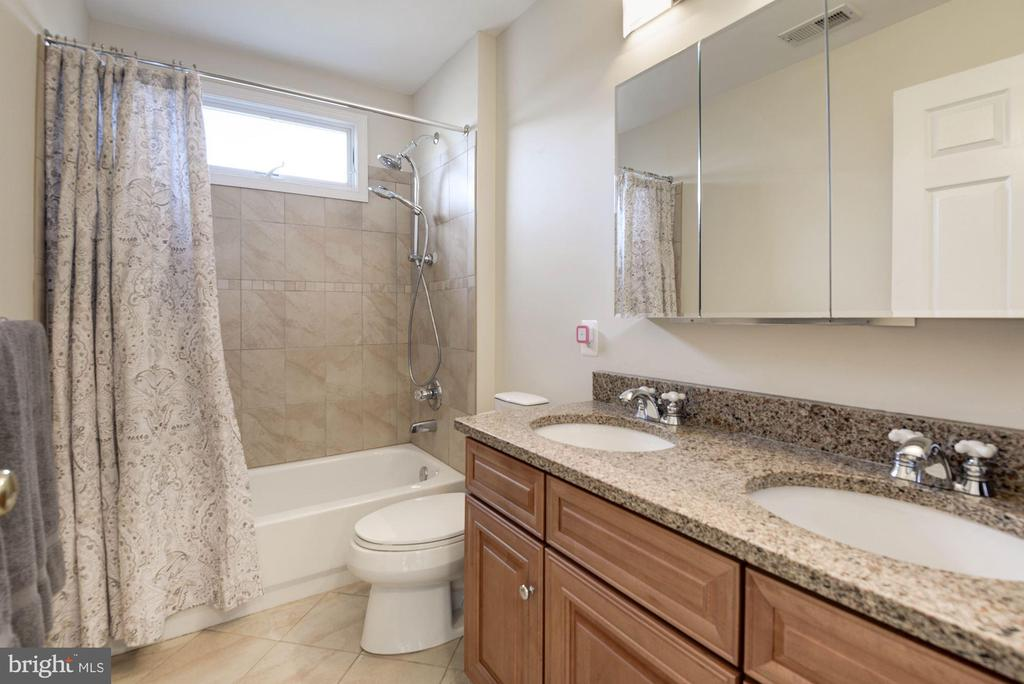 Upper Full Bath - 1340 DASHER LN, RESTON