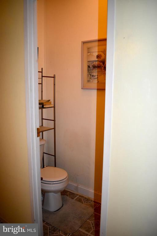 Master Bath W/ Toilet Closet - 34296 INDIANTOWN RD, LOCUST GROVE