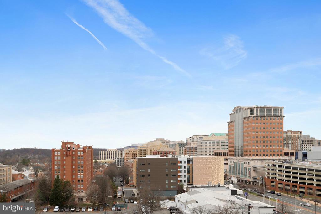 Enjoy views of the Ballston Skyline. - 4141 N HENDERSON RD #1011, ARLINGTON