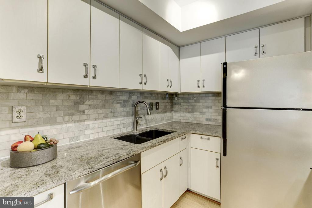 Stainless Steel Appliances - 1275 25TH ST NW #808, WASHINGTON