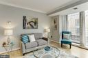 Gorgeous living space with lots of light - 1275 25TH ST NW #808, WASHINGTON