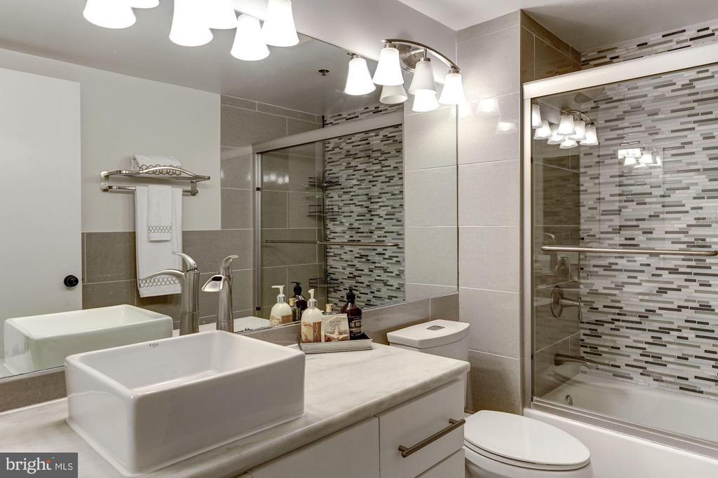 Updated bathroom - 1275 25TH ST NW #808, WASHINGTON