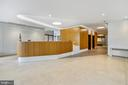 Hyde Park Lobby- staffed by a 24-hour receptionist - 4141 N HENDERSON RD #1011, ARLINGTON