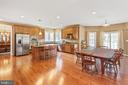 Kitchen Island & stainless steel appliances - 8108 SPRUCE VALLEY LN, CLIFTON