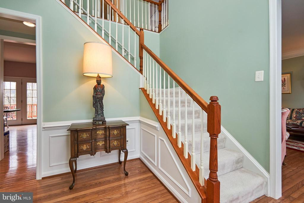 Hardwood floors - 5947 TUMBLE CREEK CT, HAYMARKET