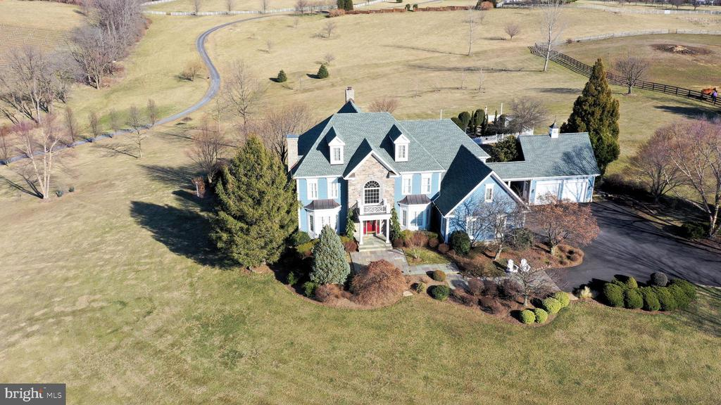 Set on almost 8 acres, no HOA - 16080 GOLD CUP LN, PAEONIAN SPRINGS