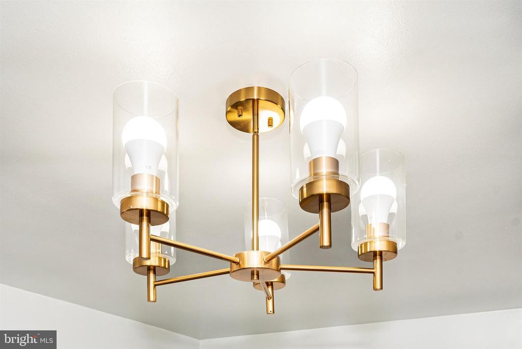 Kitchen Light Fixture - 10 N WISNER ST, FREDERICK