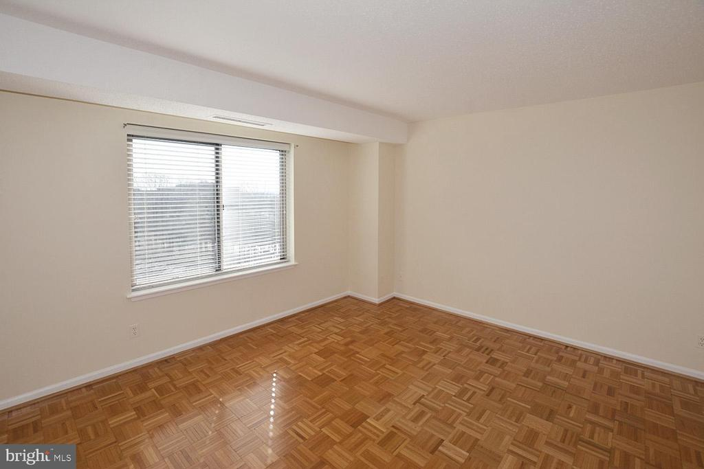 MASTER BEDROOM - 5800 NICHOLSON LN #1-1007, ROCKVILLE