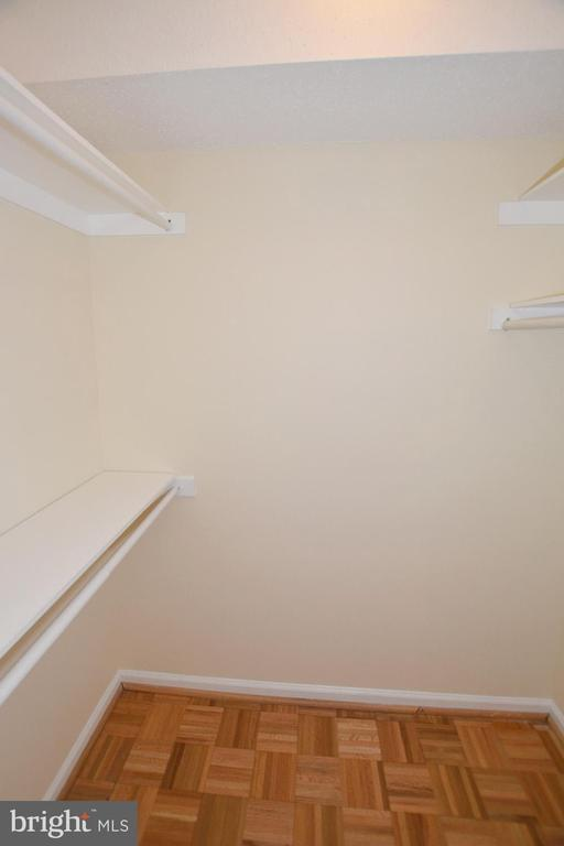 WALK-IN CLOSET - 5800 NICHOLSON LN #1-1007, ROCKVILLE
