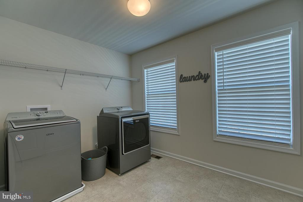 Very large laundry room - 332 BOXELDER DR, STAFFORD