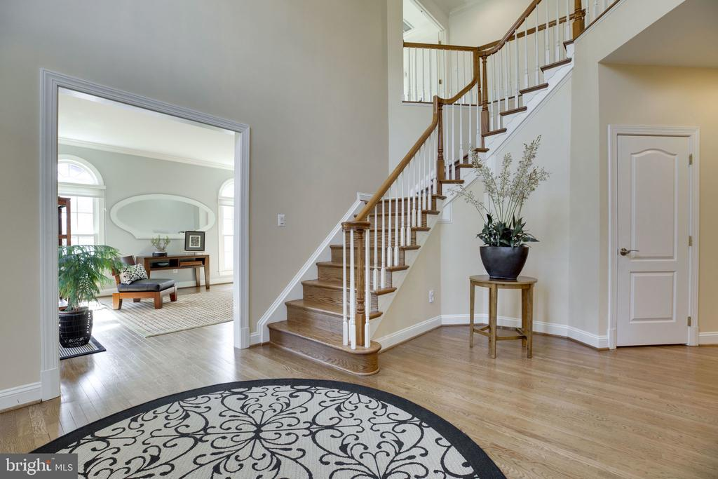 Elegant 2-Story Foyer - 12110 WALNUT BRANCH RD, RESTON