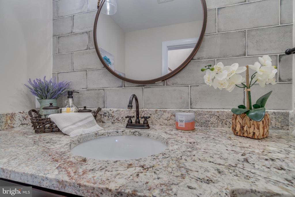 Breathtaking Powder Room!!! - 6349 LOUISIANNA RD, LOCUST GROVE