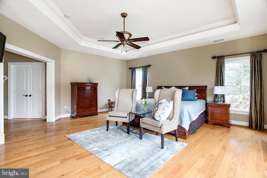 2  Walk-In Master Bedroom Closets - 9110 DARA LN, GREAT FALLS