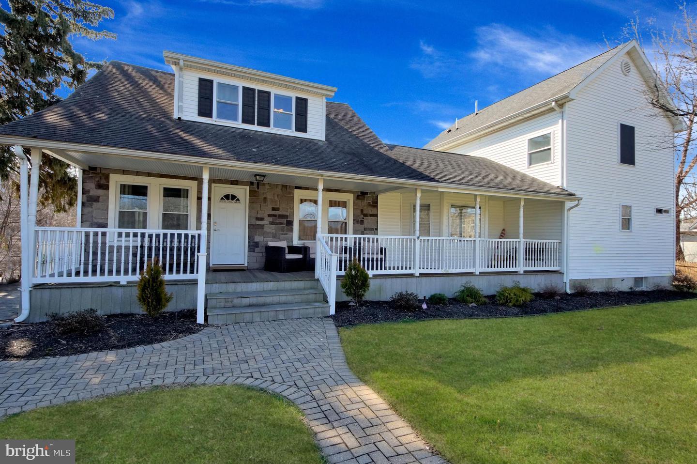 Single Family Homes для того Продажа на East Windsor, Нью-Джерси 08520 Соединенные Штаты