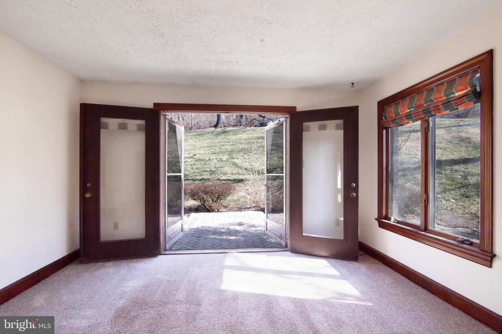 FAMILY ROOM TO PATIO - 4616 OLD NATIONAL PIKE, MIDDLETOWN
