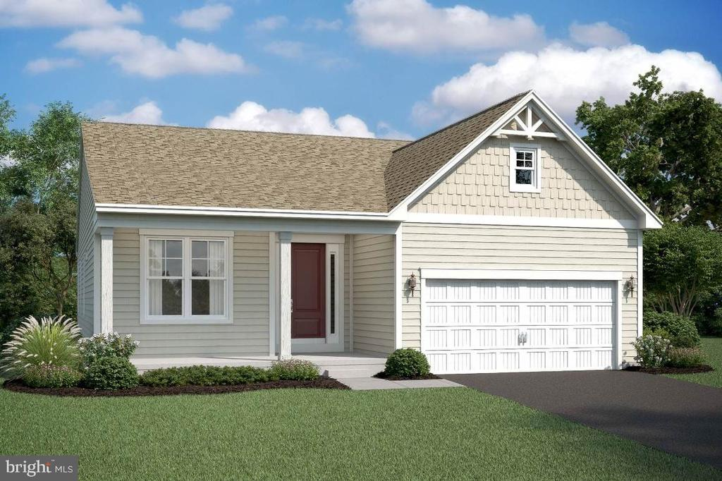 Eastwood E2 elevation with siding - 2006 DAMON DR, MOUNT AIRY