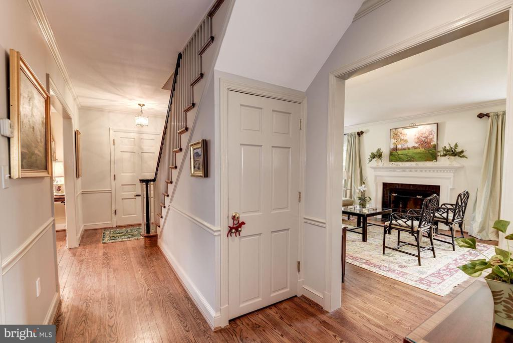 Center Hall Entry - 7600 GLENDALE RD, CHEVY CHASE