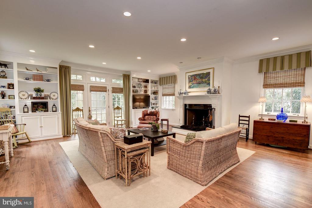 Best Family Room in the price range in Chevy Chase - 7600 GLENDALE RD, CHEVY CHASE