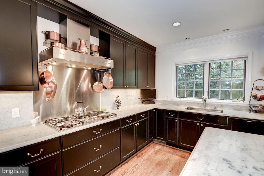 Ergonomic Kitchen Layout - 7600 GLENDALE RD, CHEVY CHASE