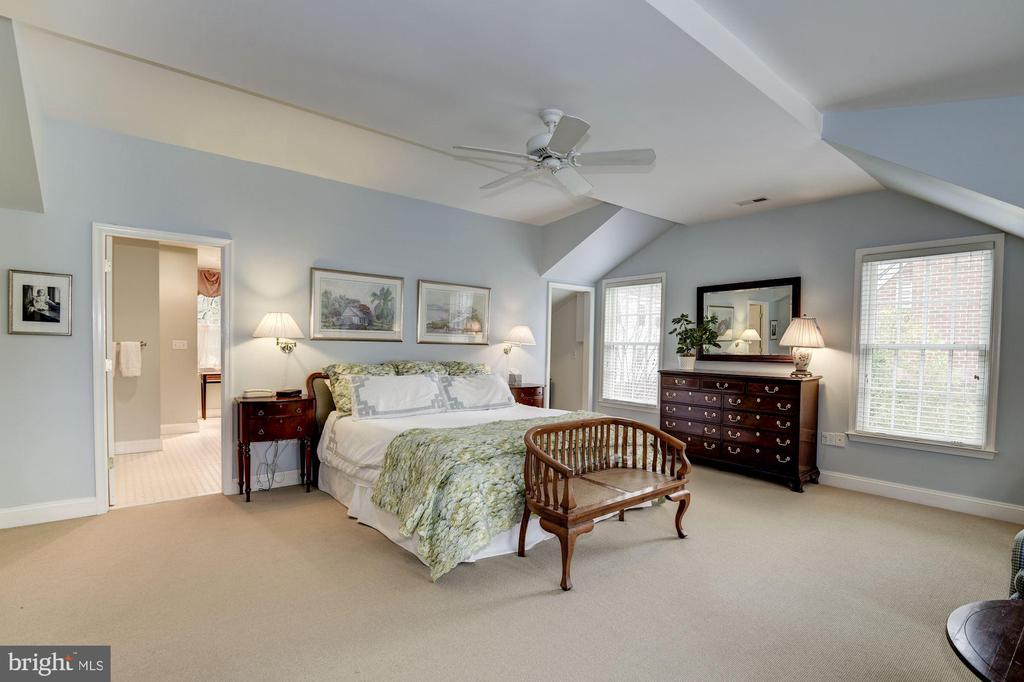 Best Master BR in the price range in Chevy Chase - 7600 GLENDALE RD, CHEVY CHASE