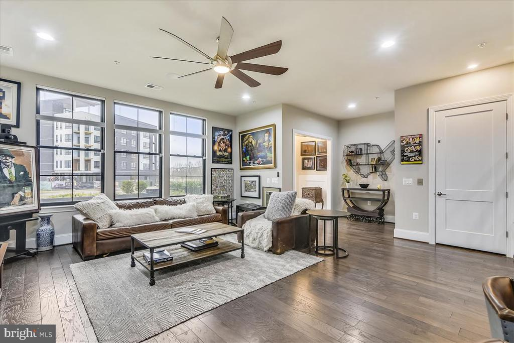 Southern Exposure with Urban Views - 44665 BRUSHTON TER, ASHBURN