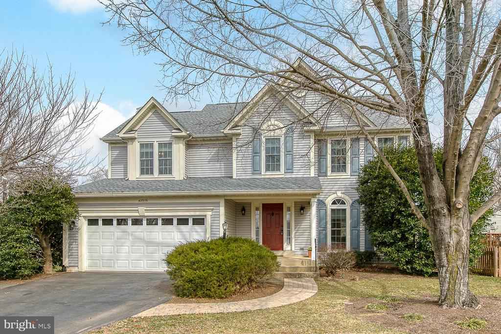 Welcome to Ashburn Village! - 43976 BRUCETON MILLS CIR, ASHBURN