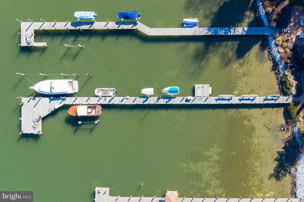 250' for lifts, slip, floating dock &  kayaks. - 4921 E CHALK POINT RD, WEST RIVER