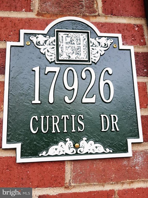 - 17926 CURTIS DR, DUMFRIES