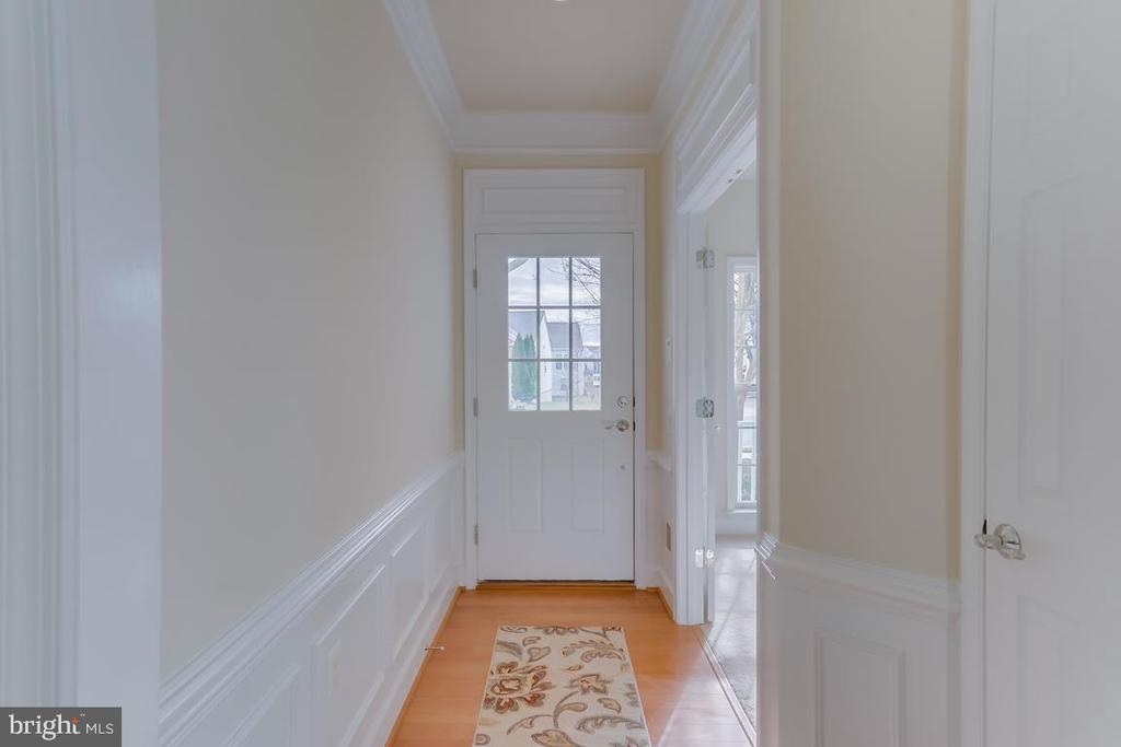 Foyer with hardwood flooring - 75 DENISON ST, FREDERICKSBURG