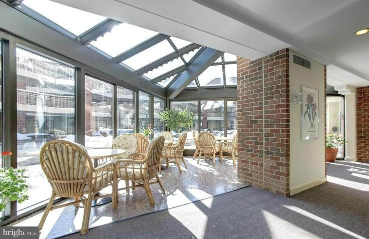 Sunroom - 1951 SAGEWOOD LN #18, RESTON