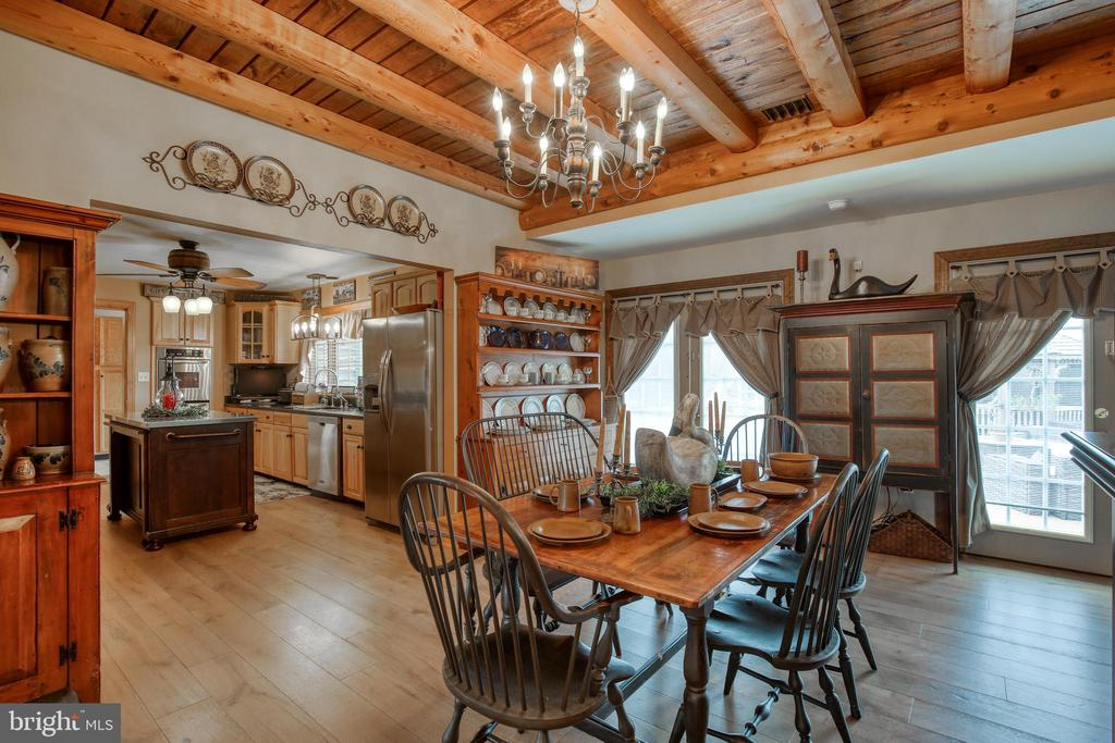 Dining Room opens up to pool - 2327 GUN BARREL RD, WHITE POST