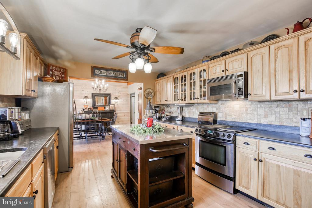 Flat surface stove with3rd  oven - 2327 GUN BARREL RD, WHITE POST