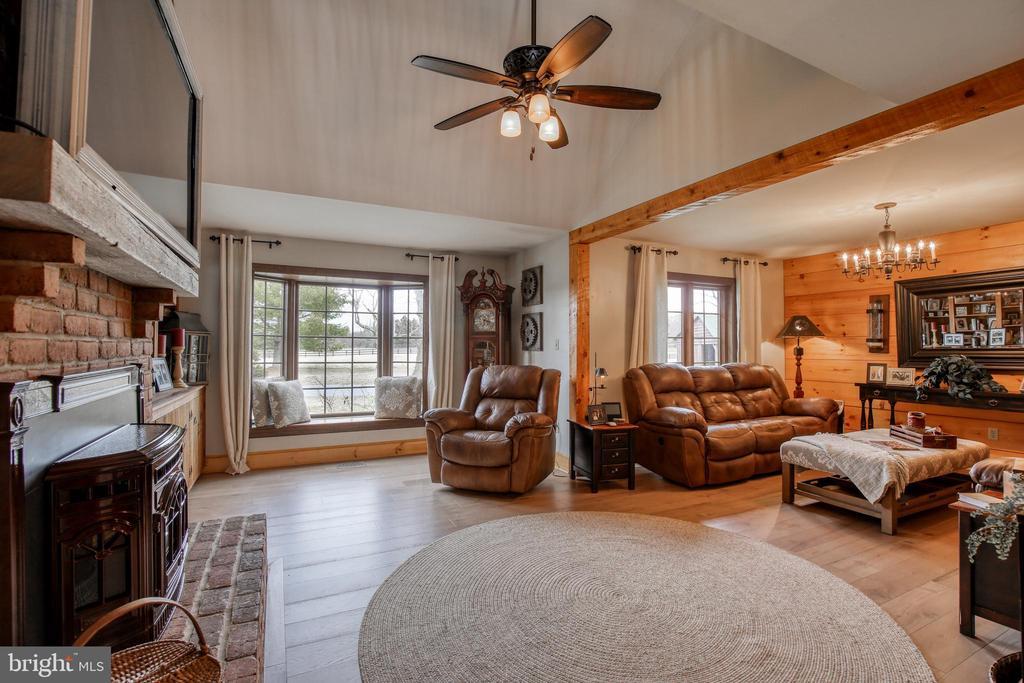 Bright & Cozy Family Room - 2327 GUN BARREL RD, WHITE POST