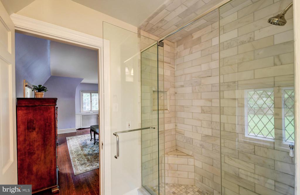 New marble master bath - 212 GOODALE RD, BALTIMORE
