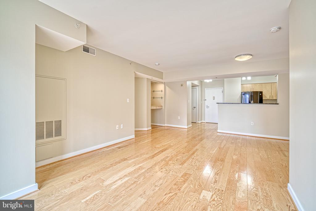 Great Room - Kitchen - 1000 NEW JERSEY AVE SE #606, WASHINGTON