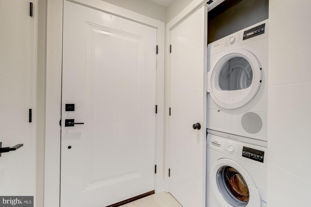 Washer & dryer in the unit - 1821 I STREET NE #11, WASHINGTON